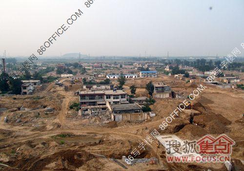 由某大型开发商投建住宅高层俯瞰南高营