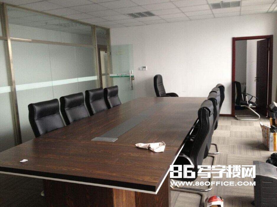 南京凤凰和熙文化广场出租 真实图片 推荐好房 玻璃隔断