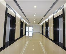 信达国际电梯前厅及走廊图