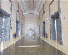 新世纪环球中心电梯前厅及走廊图