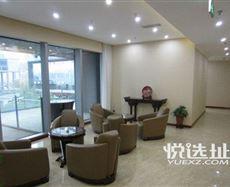 渝中区渝州路石油路站前行约100米(河运校原址)