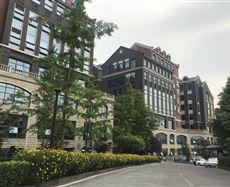 南岸重庆市南坪中央商务区(菜园坝大桥南桥头)