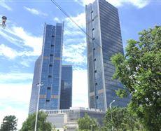 建邺位于集庆门大街以北、燕山路以西、清河路以东、汉中门大街以南